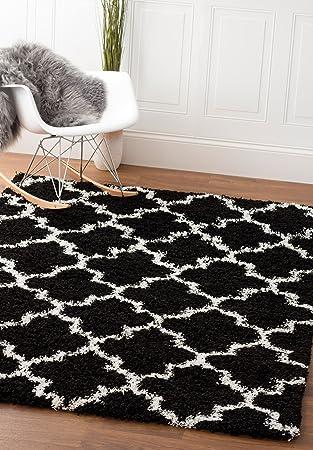 Amazon Com Super Area Rugs Modern Geometric Design Soft Shag Rug Black White 5 X 7 Furniture Decor