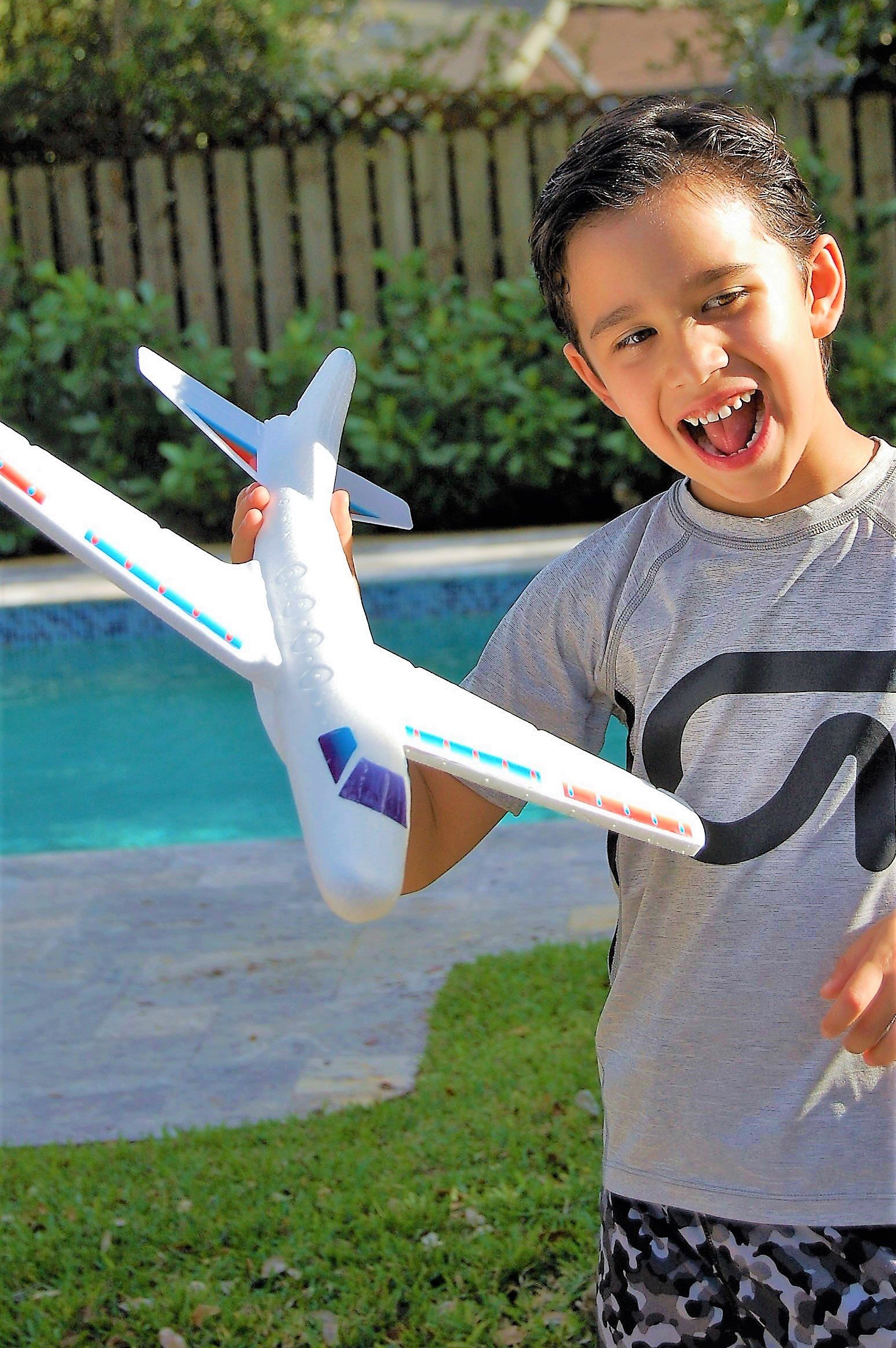 2GoodShop Giant Airplane Glider Kids Fying Toy Build It, Throw It and Watch It Glide Hours of Outdoor Fun Pack of 6 | Item #1030 by 2GoodShop (Image #5)