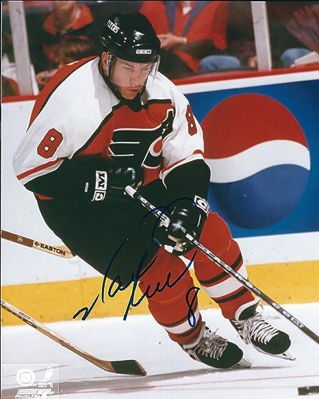 02a2ec238 Autographed Mark Recchi 8x10 Philadelphia Flyers Photo at Amazon s ...