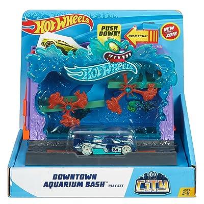 Hot Wheels City Downtown Aquarium Bashplay Set: Toys & Games
