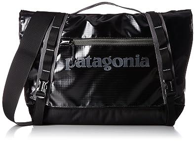 e997437c883e Amazon.com  Patagonia Black Hole Mini Messenger 12L (Black)  Clothing