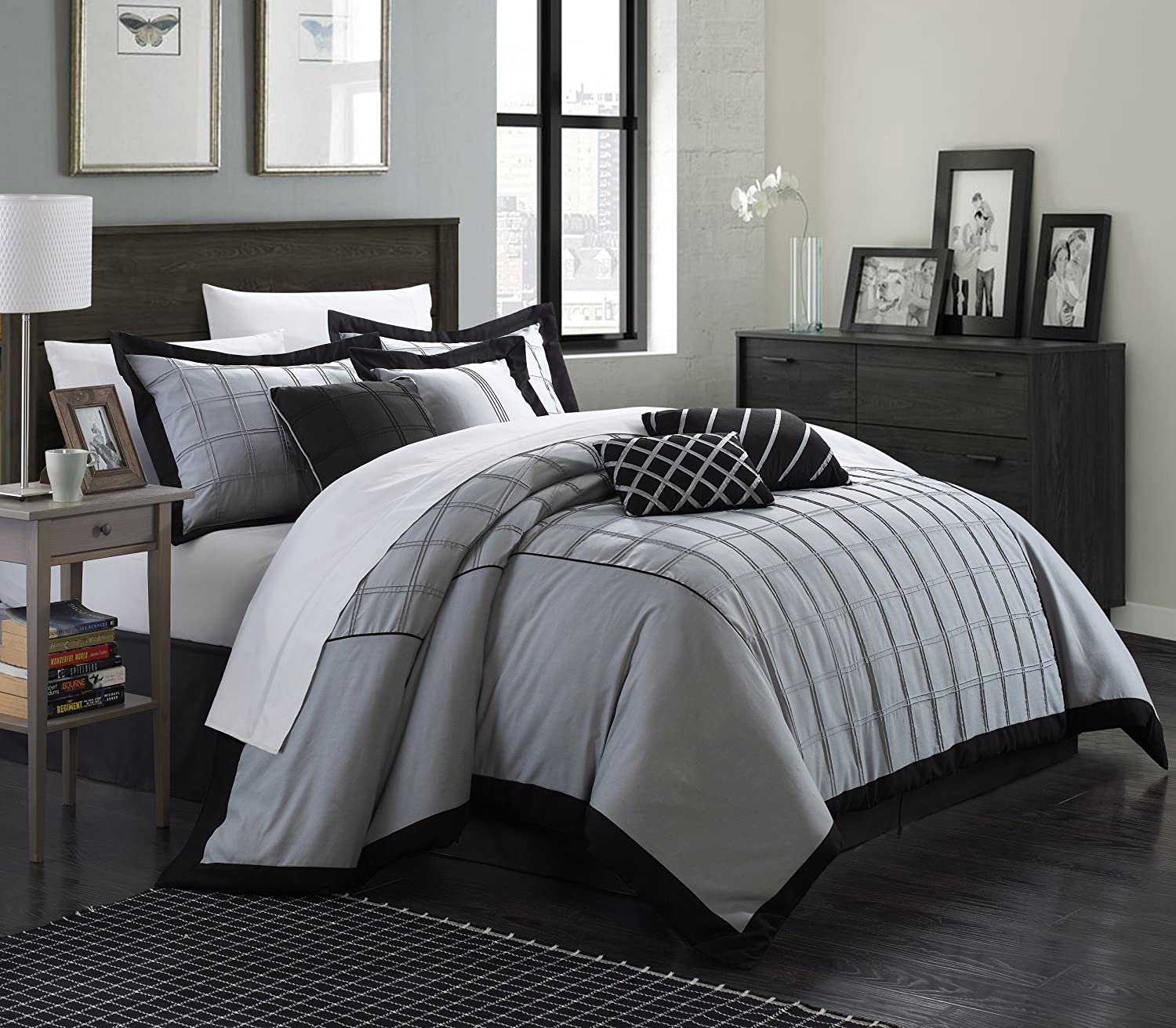 Chic Home 8 Piece Rhodes Pintuck Color Block Comforter Set, King, Black