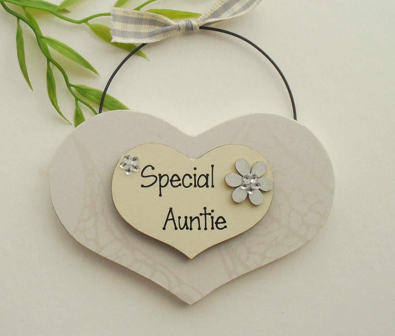 Special Auntie Wooden Heart Keepsake Plaque/Sign: Amazon.co.uk ...