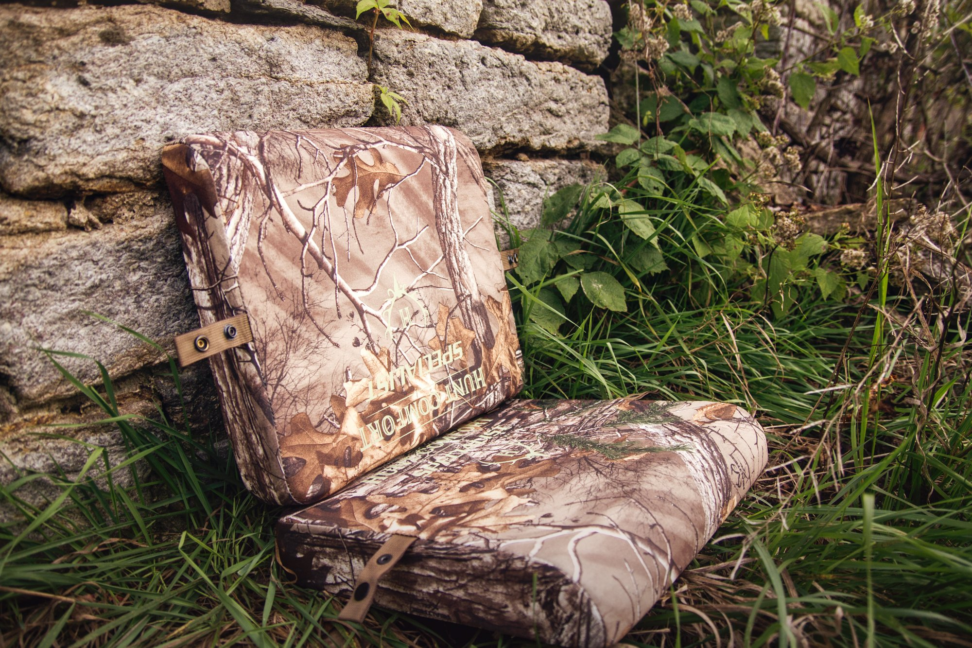 Hunt Comfort Specialist Super Light GelCore Folding Seat, Realtree Xtra by Hunt Comfort (Image #6)
