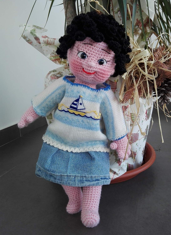 Amigurumi doll, curly hair, suitcase. | Bonecas de crochê, Bonecas ... | 1500x1094