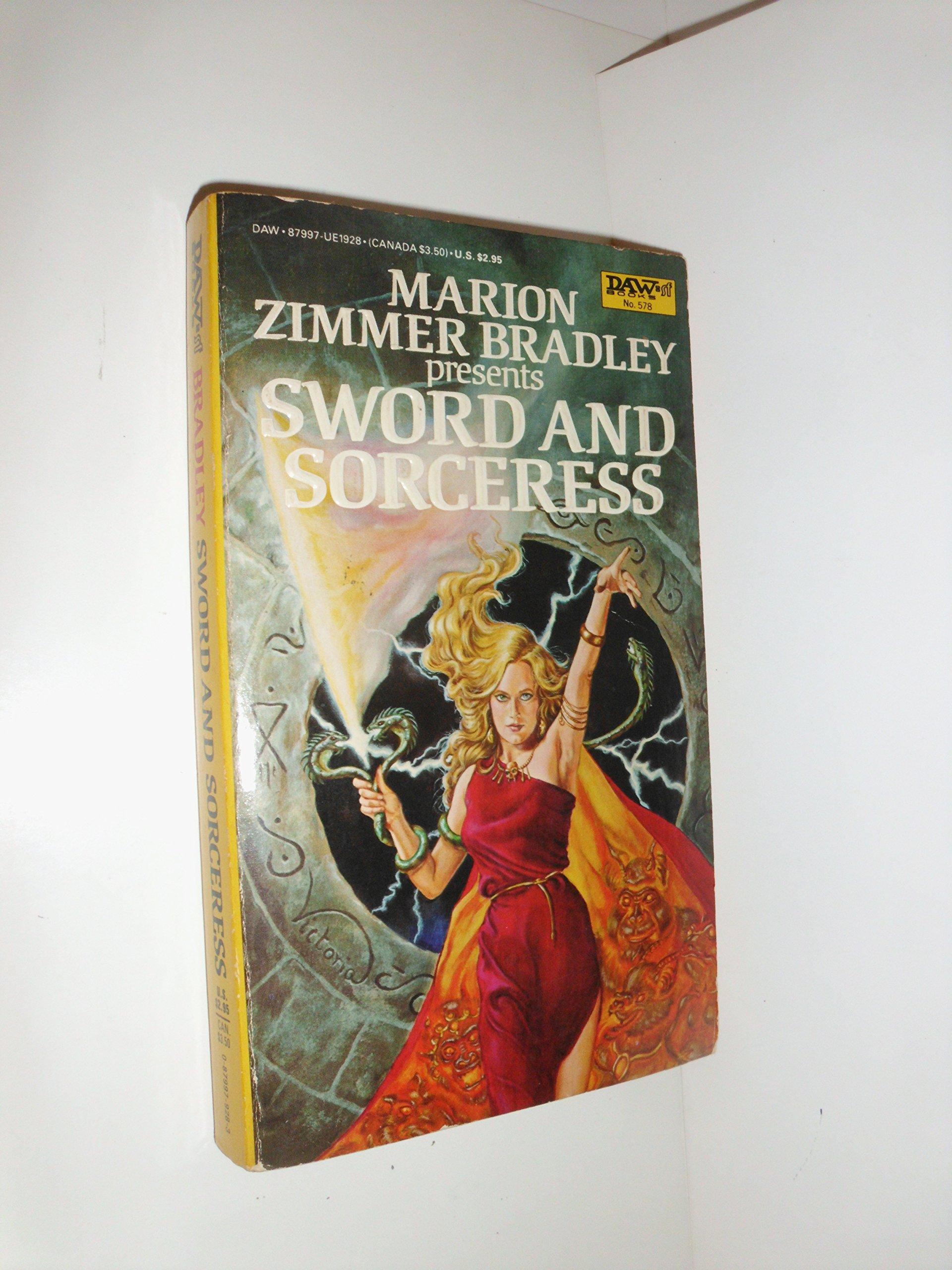 Sword & Sorceress I: Marion Zimmer Bradley: 9780879979287: Amazon ...