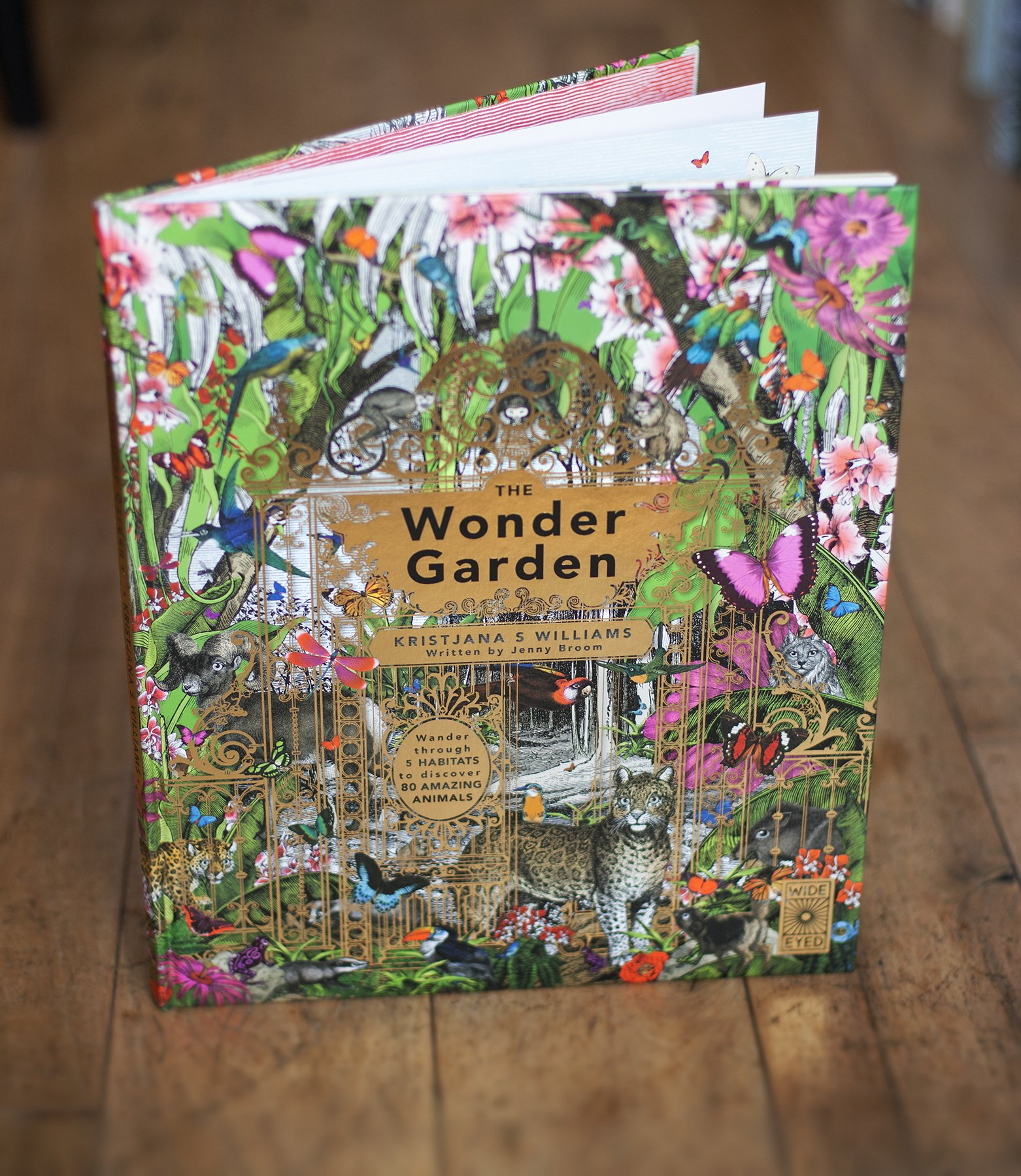 The Wonder Garden: Wander through 5 habitats to discover 80 amazing animals by Wide Eyed Editions (Image #15)