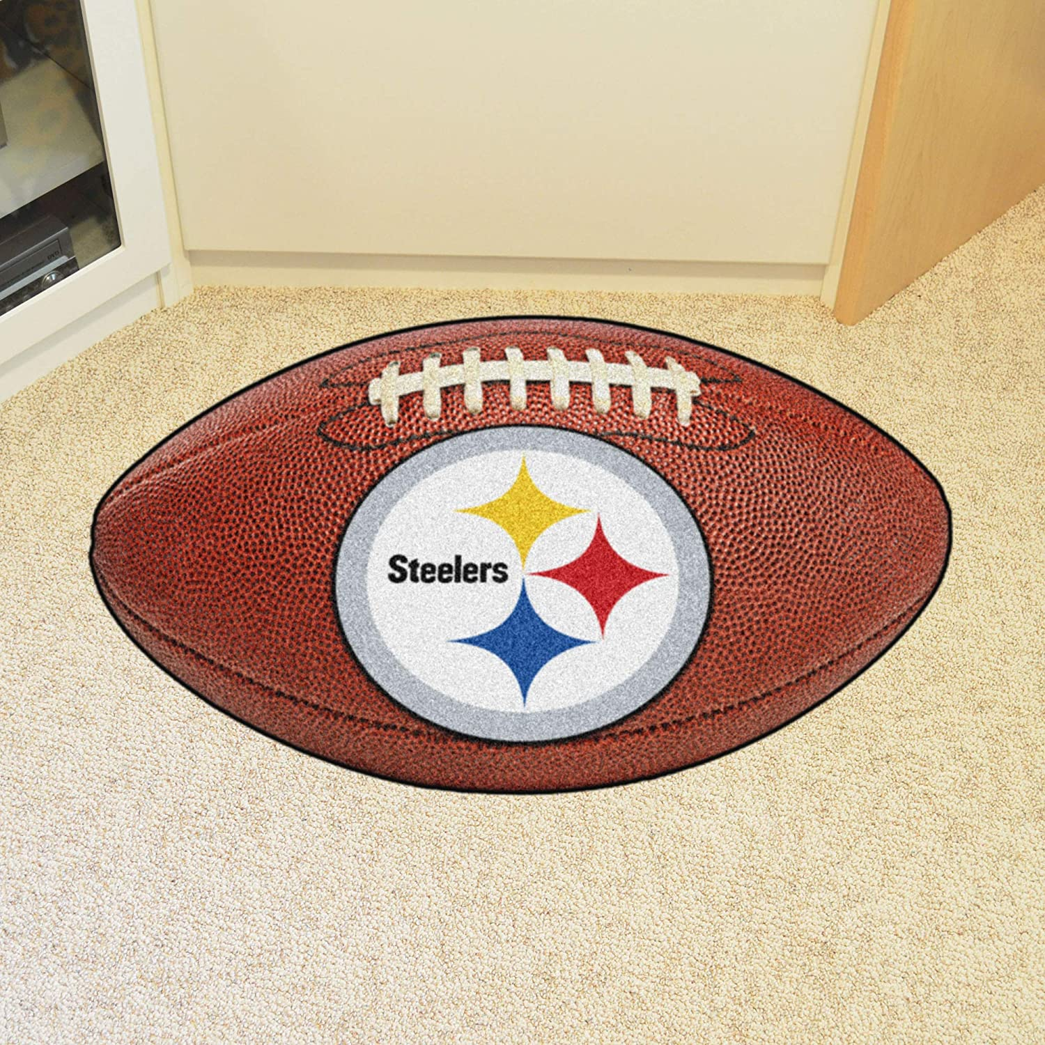 5e309873 FANMATS NFL Pittsburgh Steelers Nylon Face Football Rug