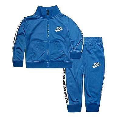 729a461d3e Amazon.com: NIKE Children's Apparel Baby Boys Tricot Track Suit 2-Piece Set:  Clothing