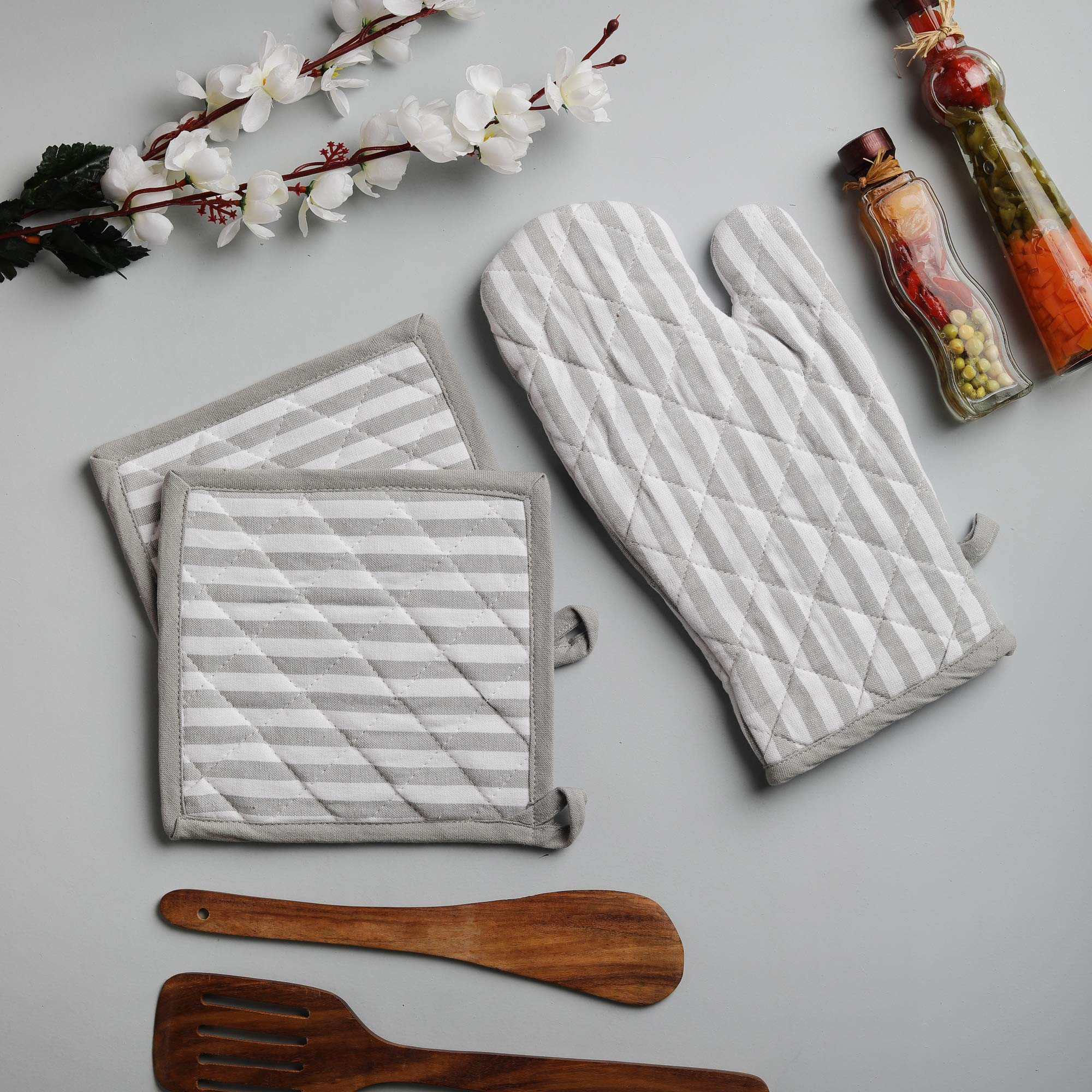 Cotton Oven Mitten and Pot Holders, 3 Piece Set, Grey & White Stripe For Everyday Use