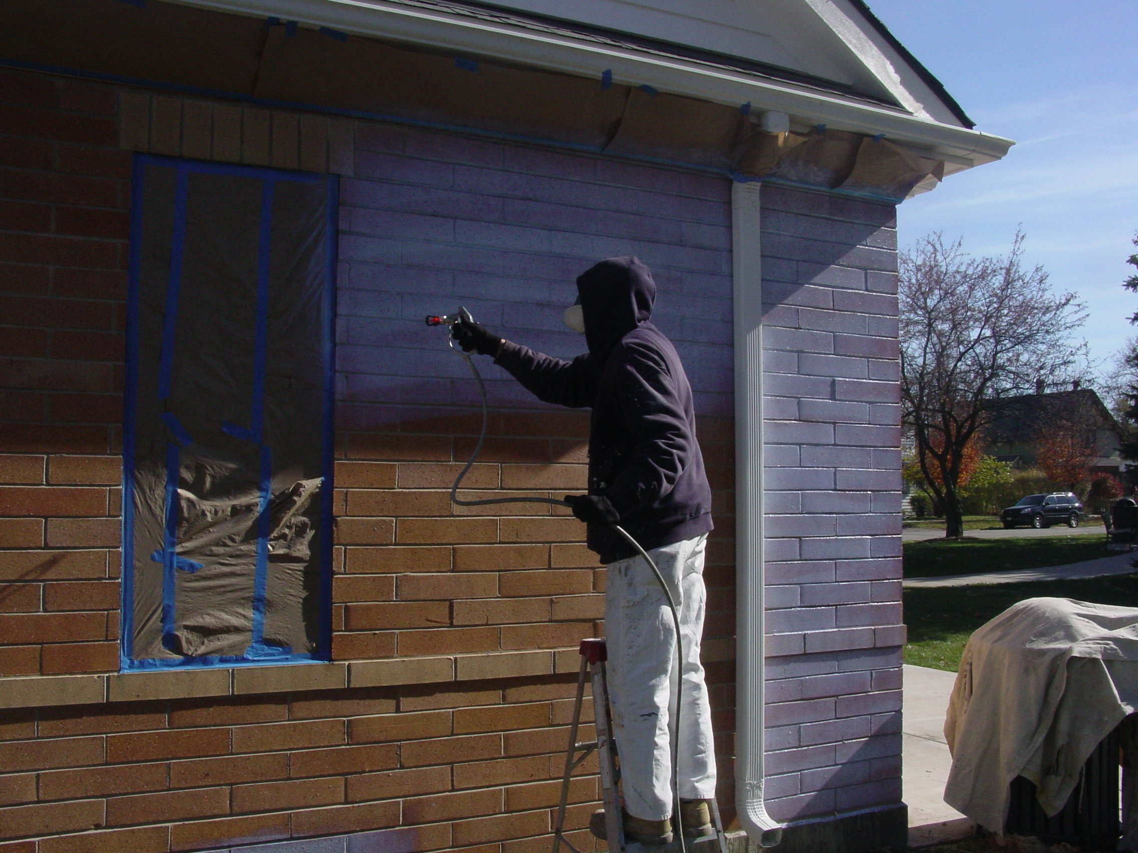 Rainguard International VG-7001 1 gal Ready to Use Vandlguard Non-Sacrificial Anti-Graffiti Coating - Painted & Unpainted Concrete, Block, CMU, Brick, EIFS, Stucco, Wood & Painted Metal, Clear