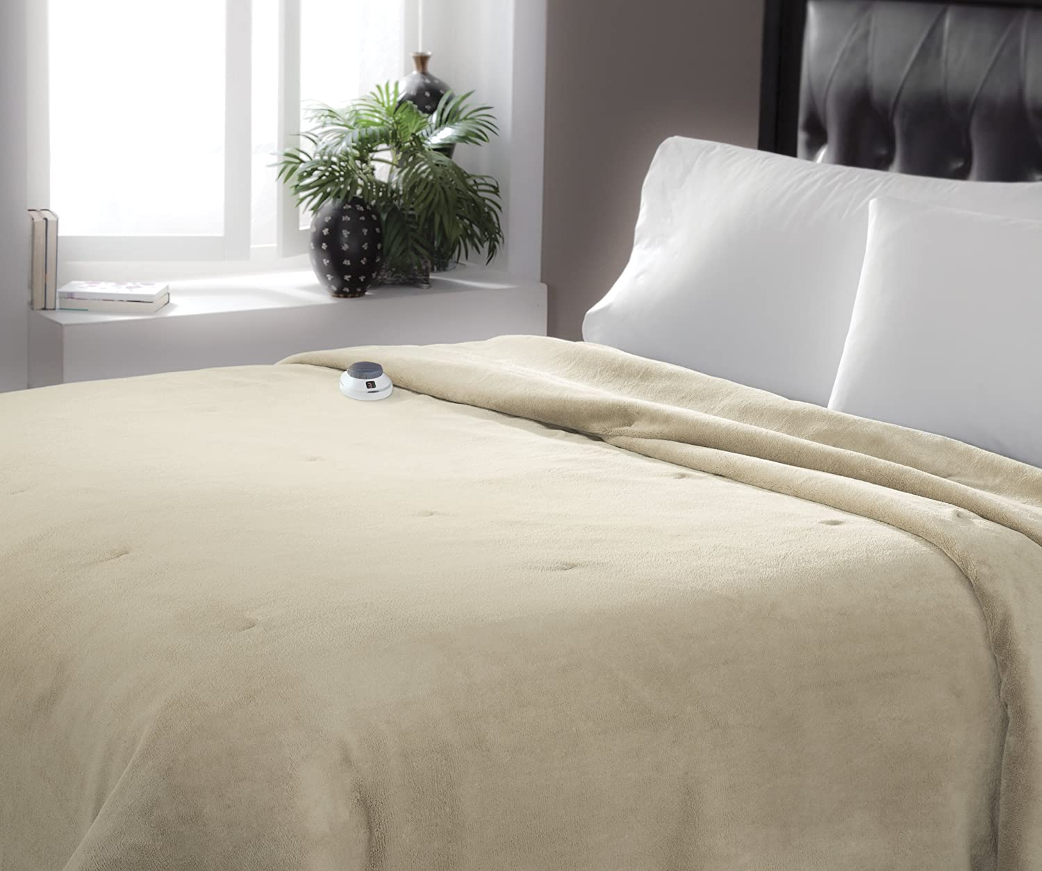 Serta | Luxe Plush Fleece Heated Electric Blanket with Safe & Warm Low-Voltage Technology, Twin, Pearl