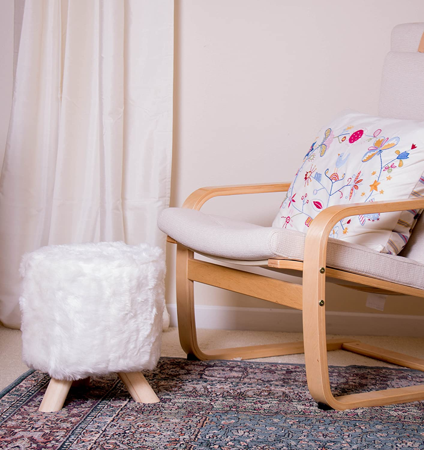 Premium White Ottoman with Faux Fur by Clever Creations | Round Foot Stool | Real Wood Legs | Stylish Trendy Décor
