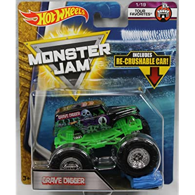 Hot Wheels Monster Jam 2020 Tour Favorites Grave Digger (With Re-Crushable Car): Toys & Games