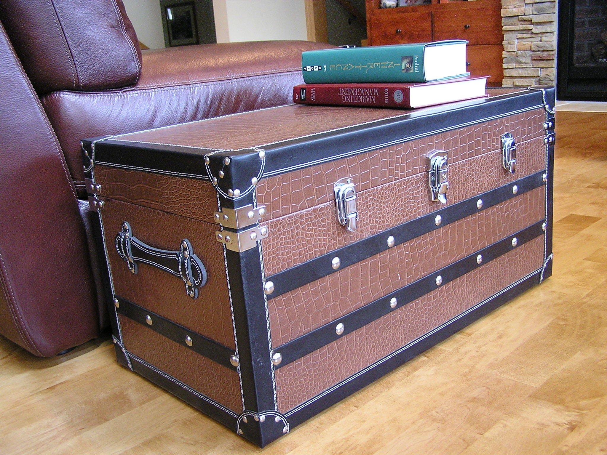 Decorative Fairfax Medium Wood Steamer Trunk Wooden Treasure Hope Chest