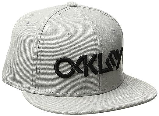 d6d512662cb Amazon.com  Oakley Mens Octane Adjustable Hat One Size Red Line  Clothing