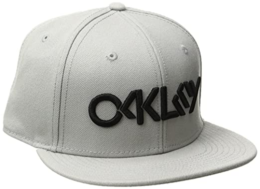 Amazon.com  Oakley Men s Octane Hat 9e383d15b75