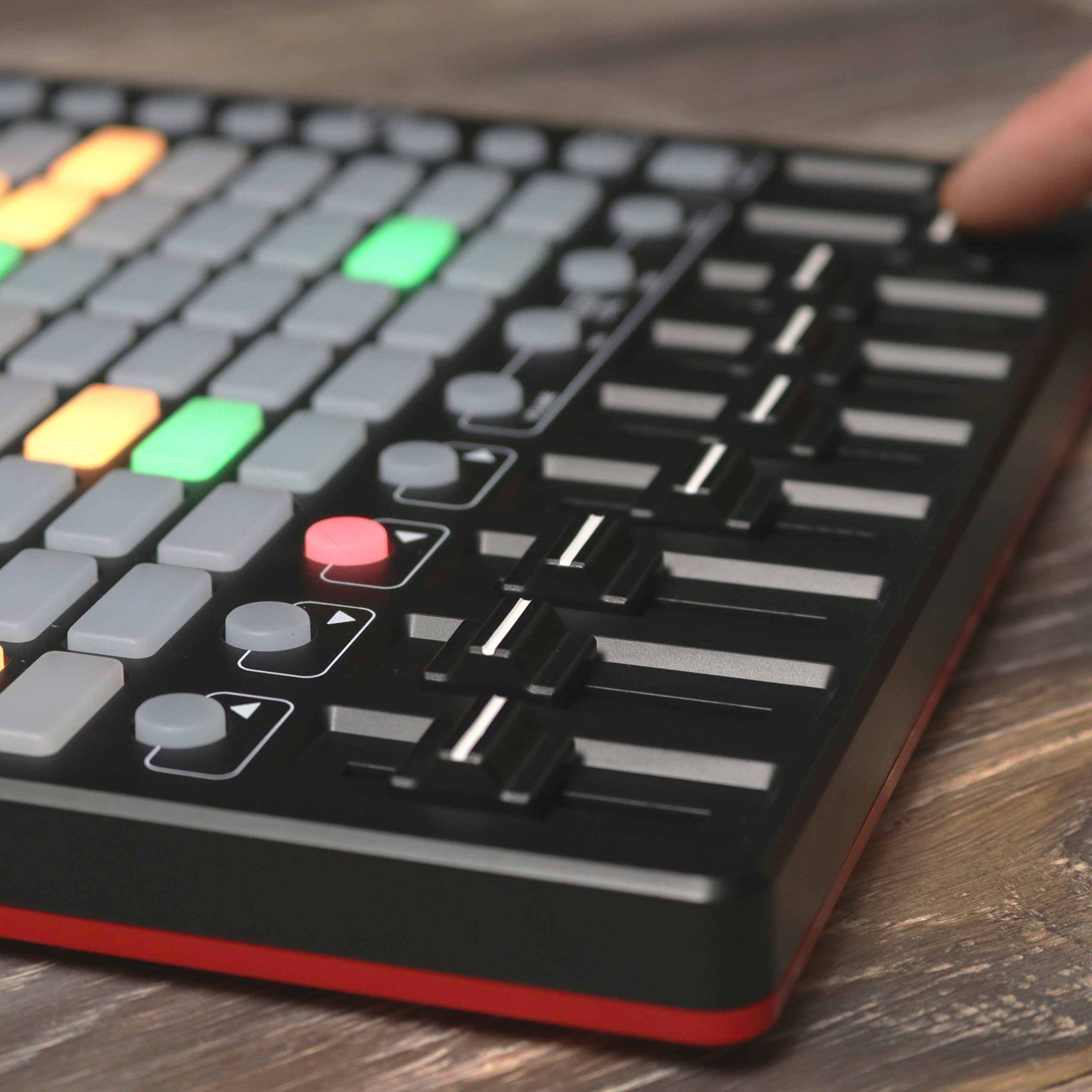 Akai Professional APC Mini | Compact Ableton Live controller with Ableton Live Lite Download (8x8 Backlit Clip-Launch Grid) by Akai (Image #6)