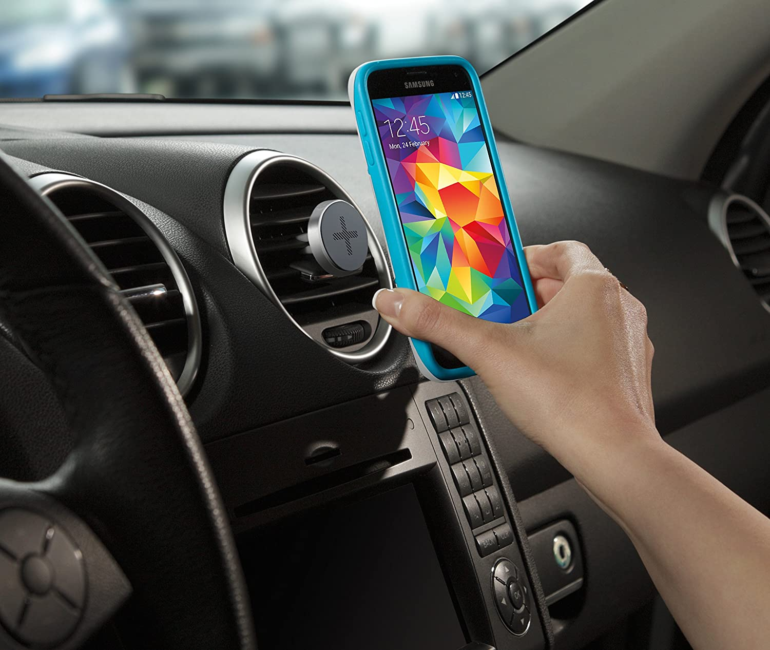 Logitech Trip One-Touch Smartphone Airvent Magnetic Car Mount