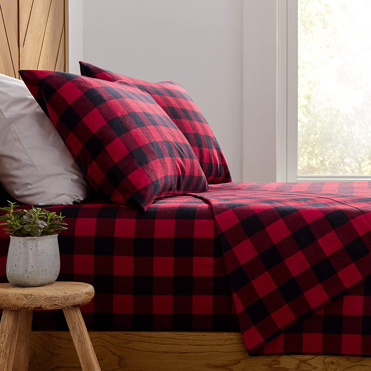Stone & Beam Rustic Buffalo Check Soft and Breathable Flannel Yarn-Dyed Sheet Set, Queen, Red and Black