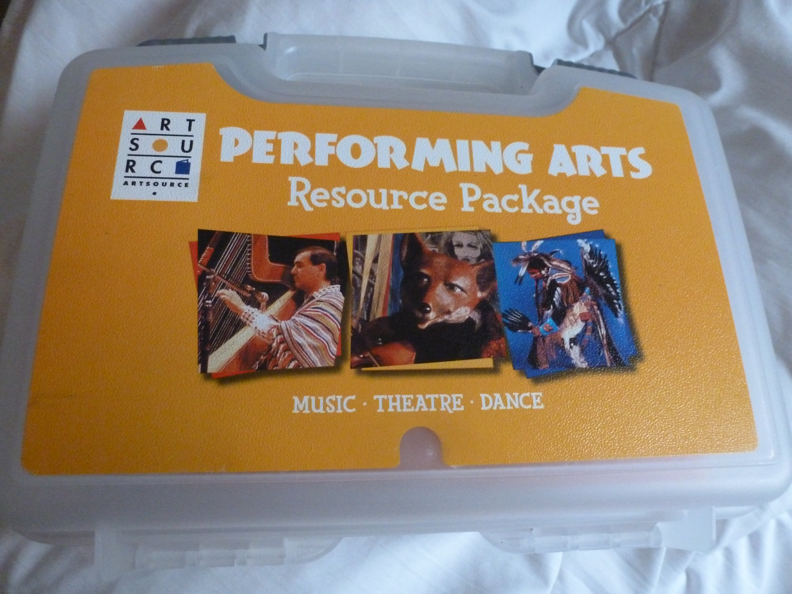 Download Artsource (R) VHS and DVD Package - Grade 1 (ART CONNECTIONS) pdf