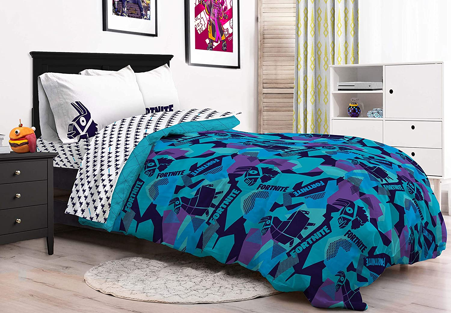 Jay Franco Fortnite Llama Geo 5 Piece Full Bed Set Official Fortnite Product Includes Reversible Comforter /& Sheet Set Super Soft Fade Resistant Microfiber