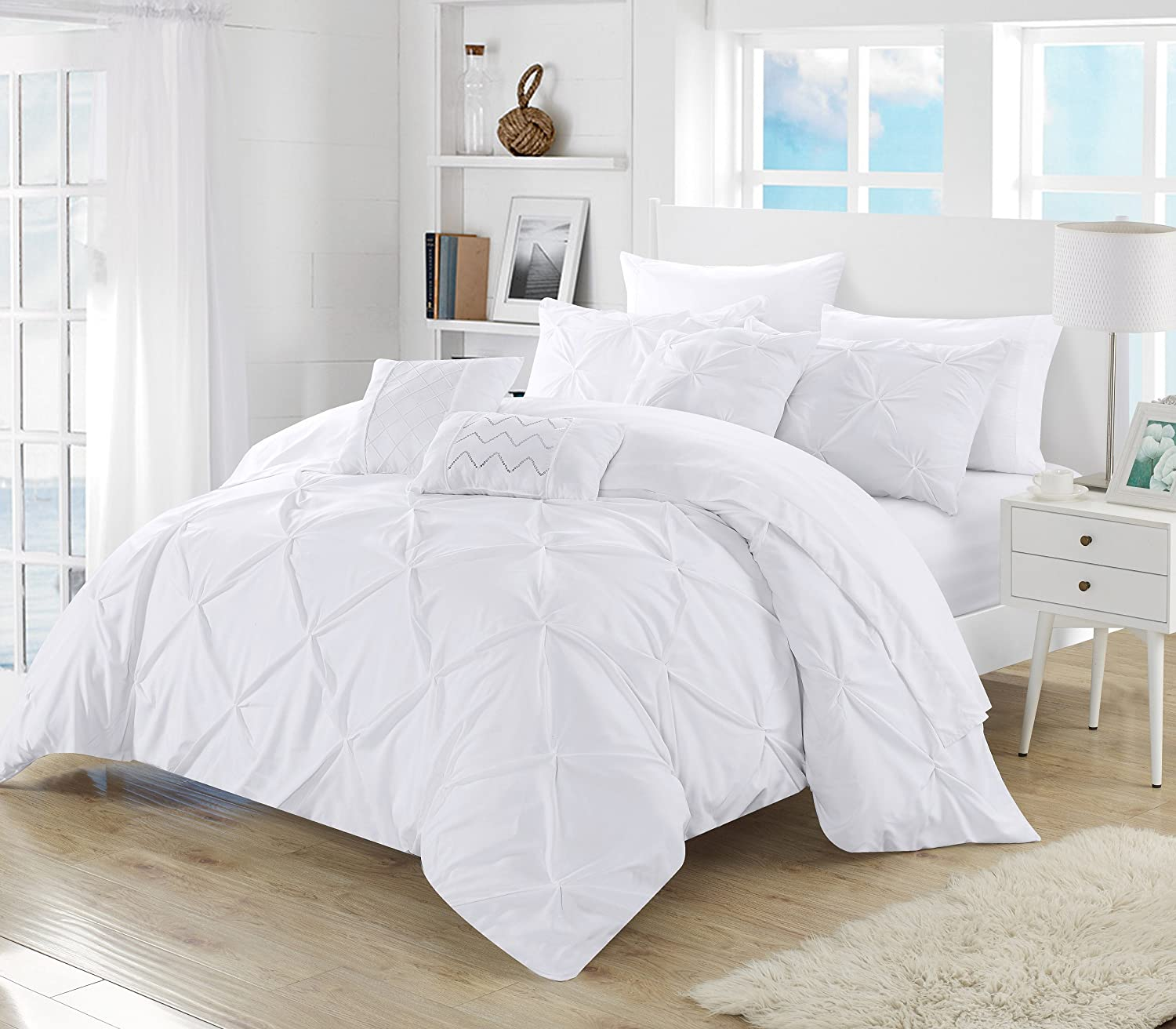 Amazon com perfect home 10 piece zita pinch pleated ruffled and pleated complete king bed in a bag comforter set white with sheet set home kitchen