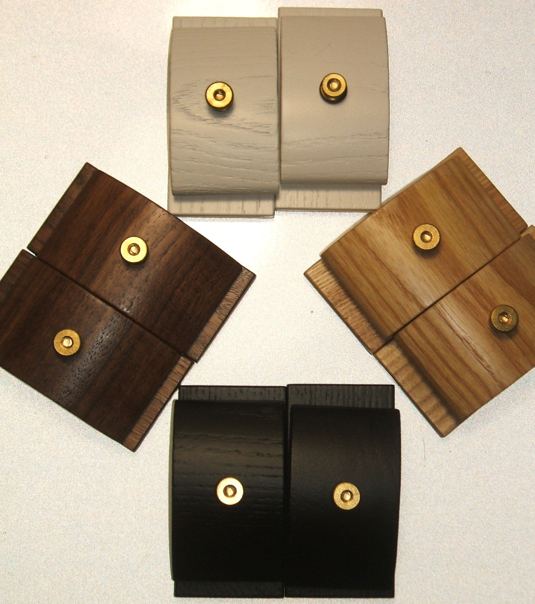1 Pair Mini Walnut Hang-Ups Quilt Clamps Clips - Small by Walnut Hang-Ups (Image #3)