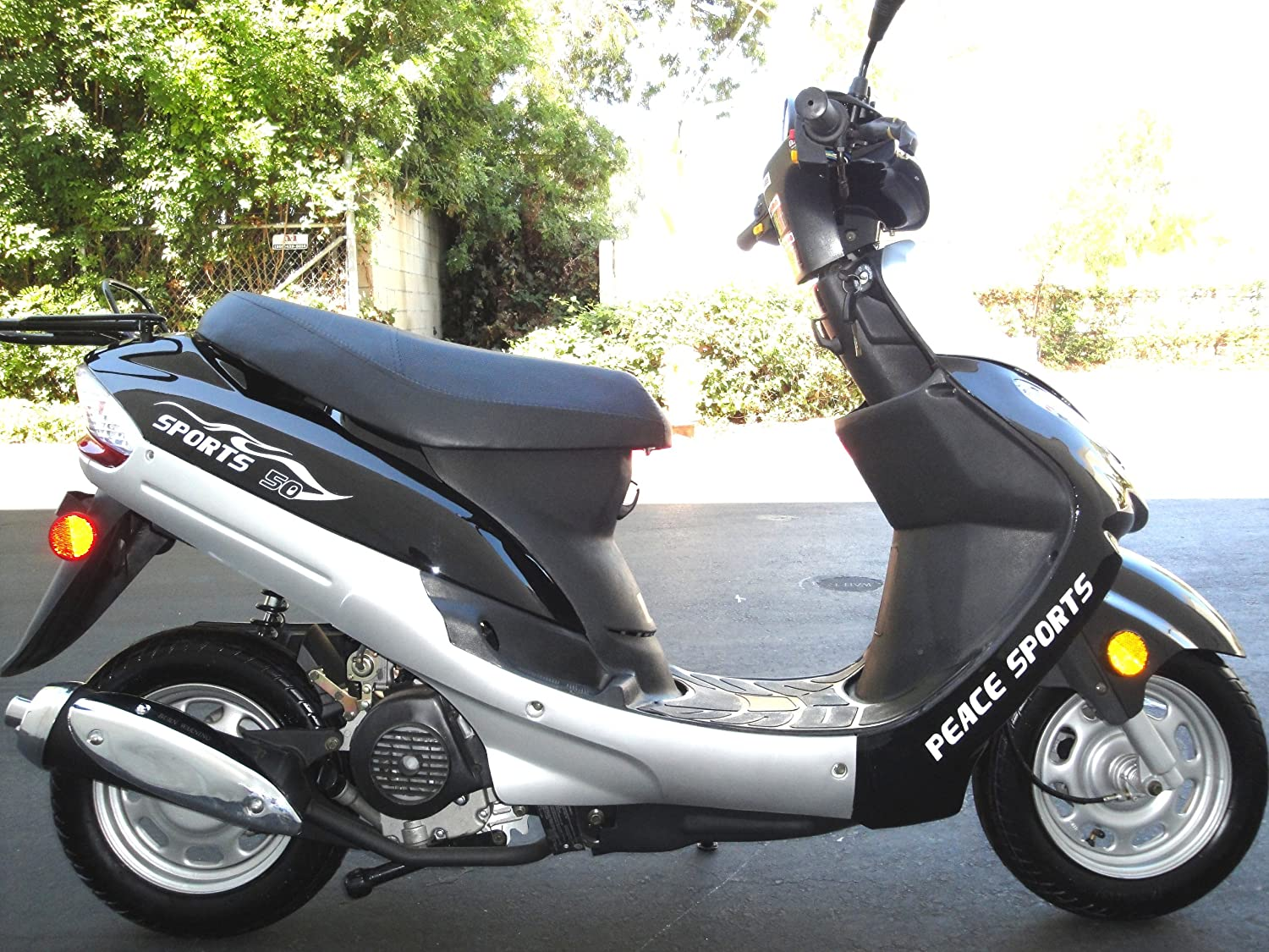 Scooters and mopeds up to 50 cubes: models, specifications, reviews 47