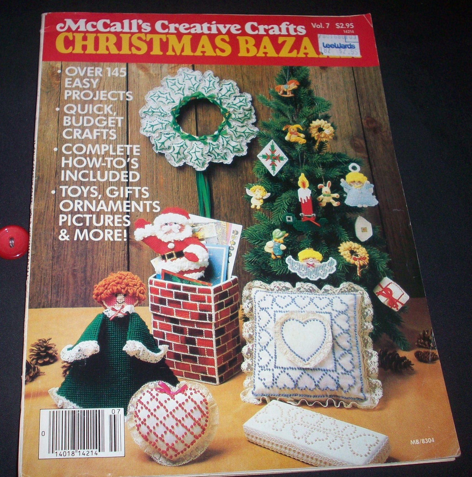 Mccall S Creative Crafts Christmas Bazaar Vol 7 1983 Amazon Com Books