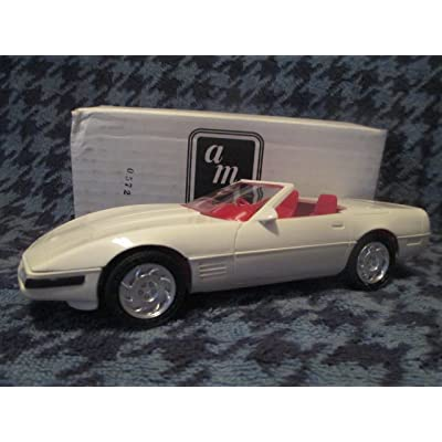 #8923 AMT/ America Corvette Convertible,Artic White/Red Interior 1/25 Scale Plastic Promo Model Car, Fully Assembled: Toys & Games