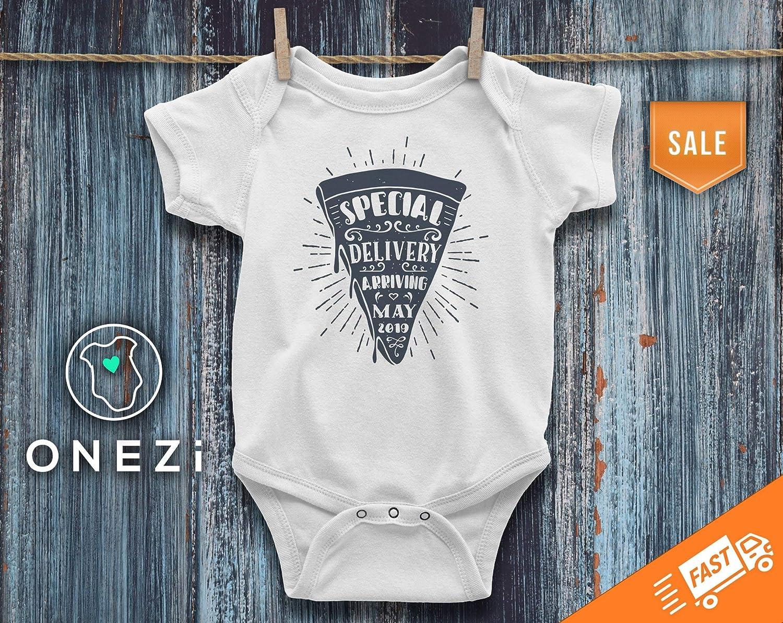 4e440f328ce11 Amazon.com: Funny Pregnancy Announcement Pregnancy Reveal Onesie ...