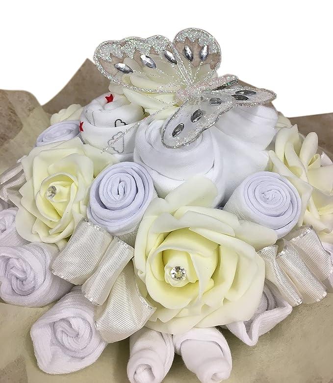 29cc066e3 Ramo de ropa de regalo unisex neutral para baby shower crema Talla 0-3 meses   Amazon.es  Bebé