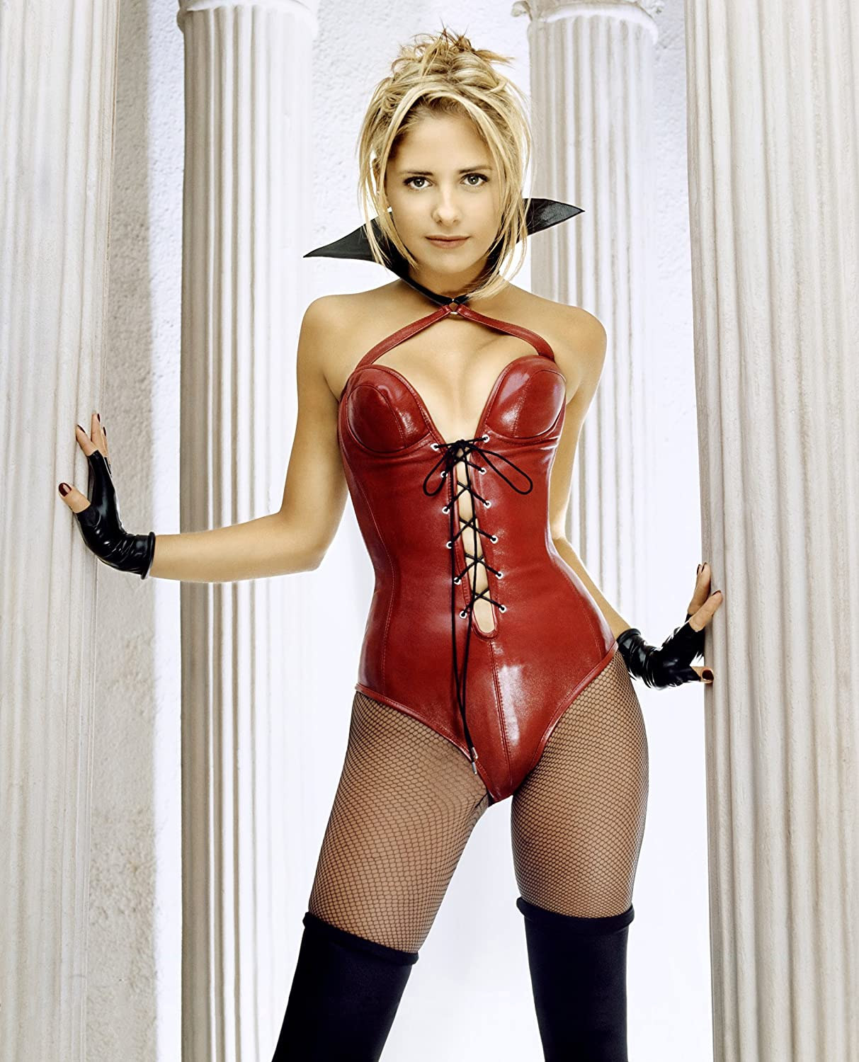 Sarah Michelle Geller Red Latex Lingerie Mid Modeling Photo 8 Inch By 10 Photograph Tl At Amazons Entertainment Collectibles Store