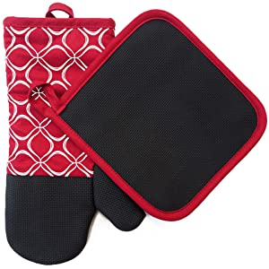 Shaped Oven Mitts and Pot Holders Set of 2 for Kitchen Set With Cotton Neoprene Silicone Non-Slip Grip, Heat Resistant, Oven Gloves for BBQ Cooking Baking, Grilling, Machine Washable (Red Neoprene)