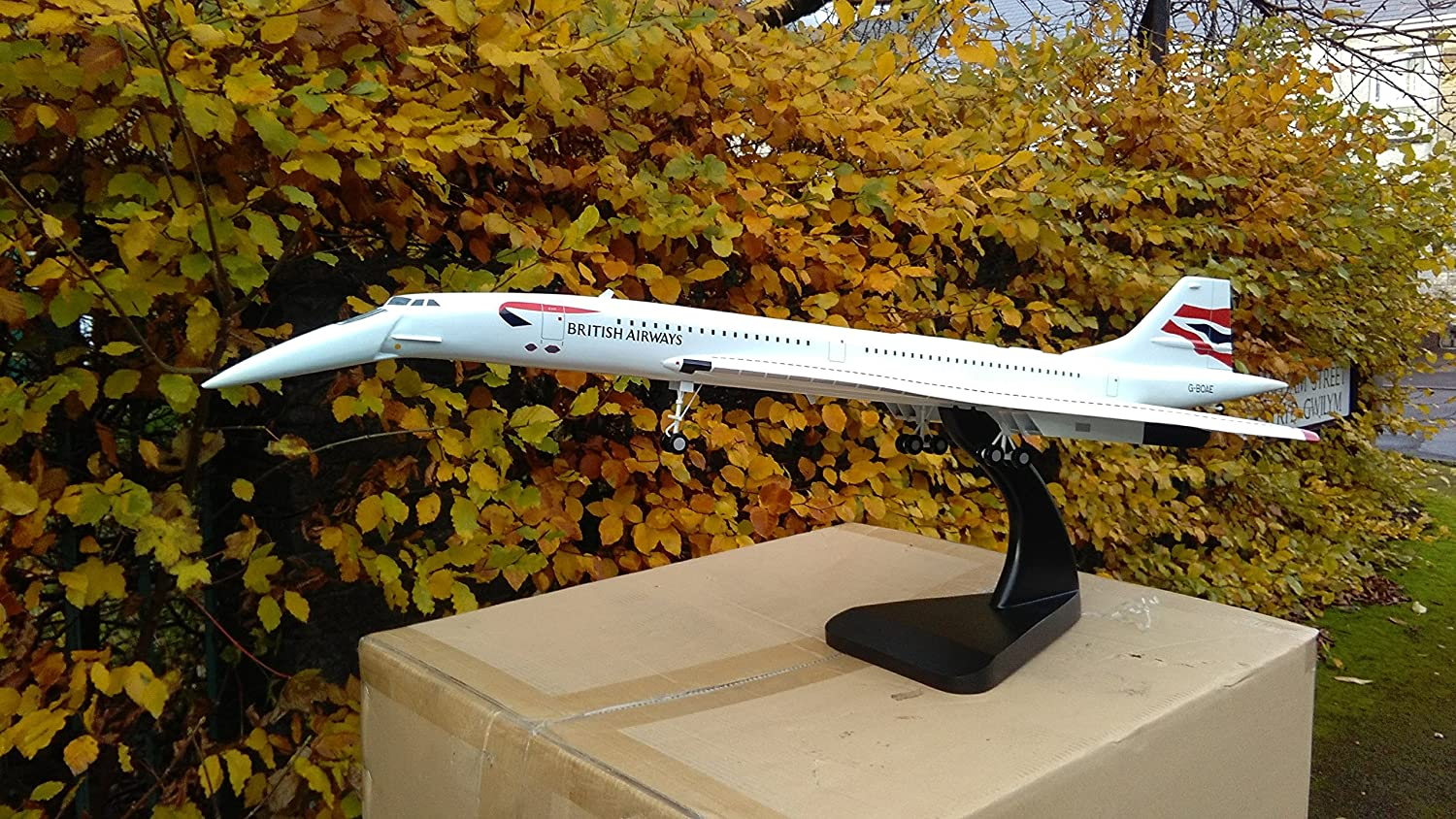 BRITISH AIRWAYS CONCORDE Mahogany Wooden Aircraft Airplane 1 50 Scale 4-ft long TRAVEL AGENT Display Collector's Model LANDING MODE Gear Nose Down BA