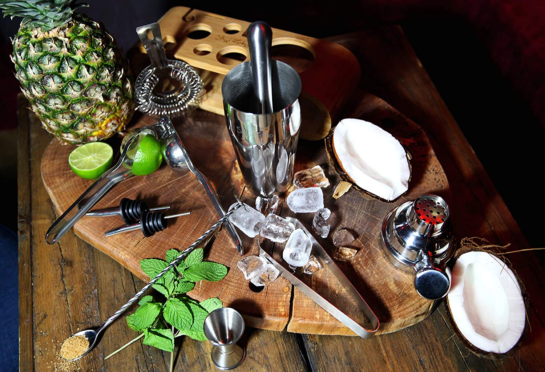 Muddler Spoon Cocktail Shaker Cocktail Booklet Jigger Strainer Pourer Lemon Squezer Cocktail Shaker Set