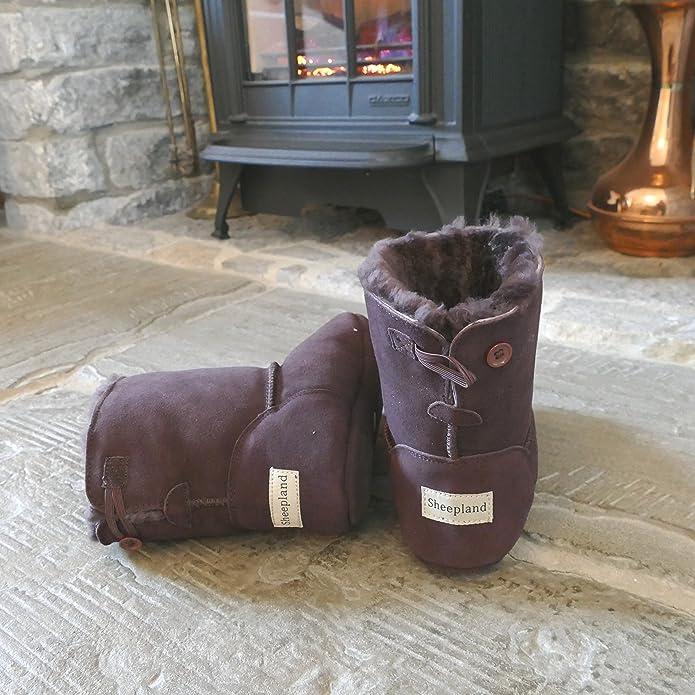 5bb16cd639da Sheepland Unisex Luxury Sheepskin Indoor Slipper Boots  Amazon.co.uk  Shoes    Bags