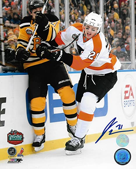 Flyers James van Riemsdyk 2010 Winter Classic Autographed 8