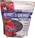 Kirkland Signature Berries & Cherries Dried Fruit Blend, 20 oz