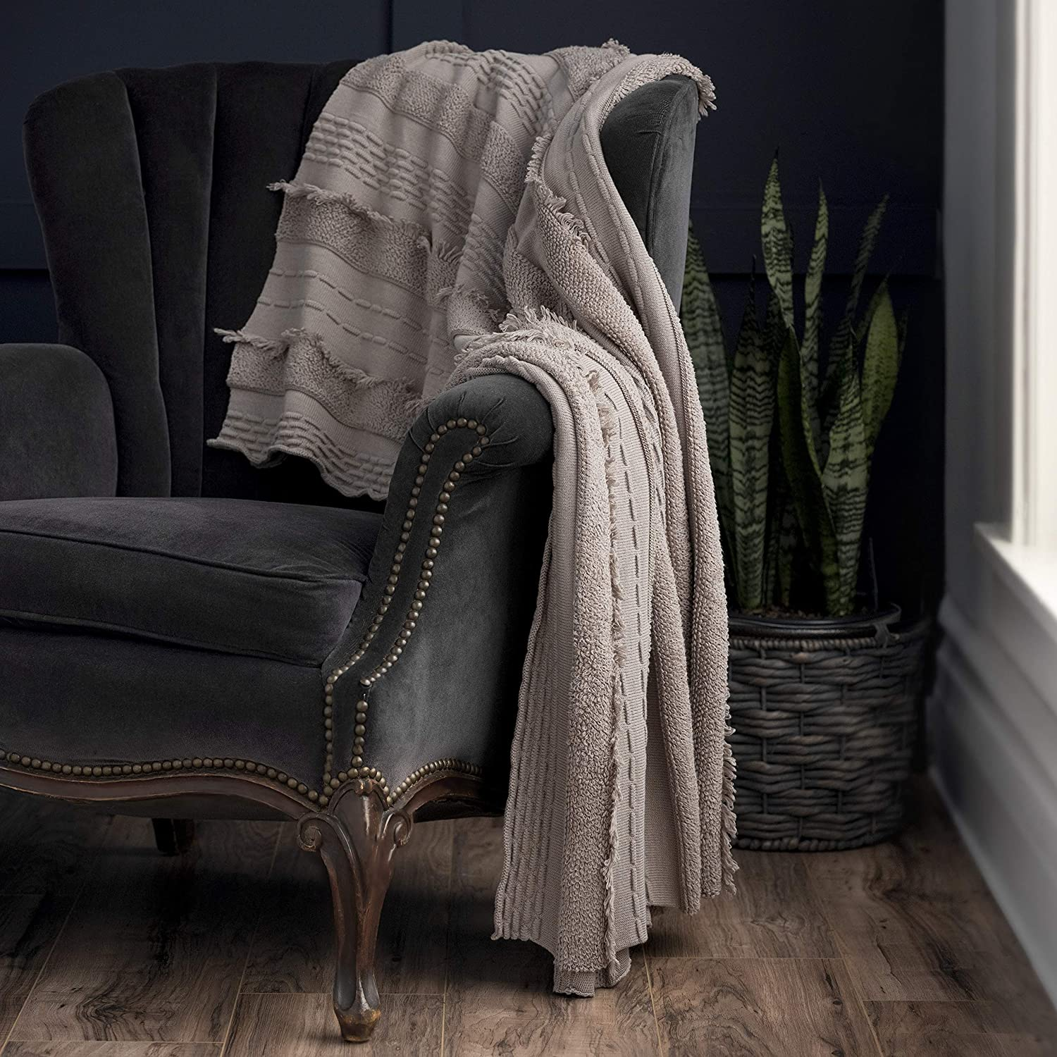 """Welhome Premium Frayed Fringe 100% Cotton Throw Blanket