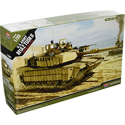 13298 1/35 US Army M1A2 Tusk II: Toys & Games