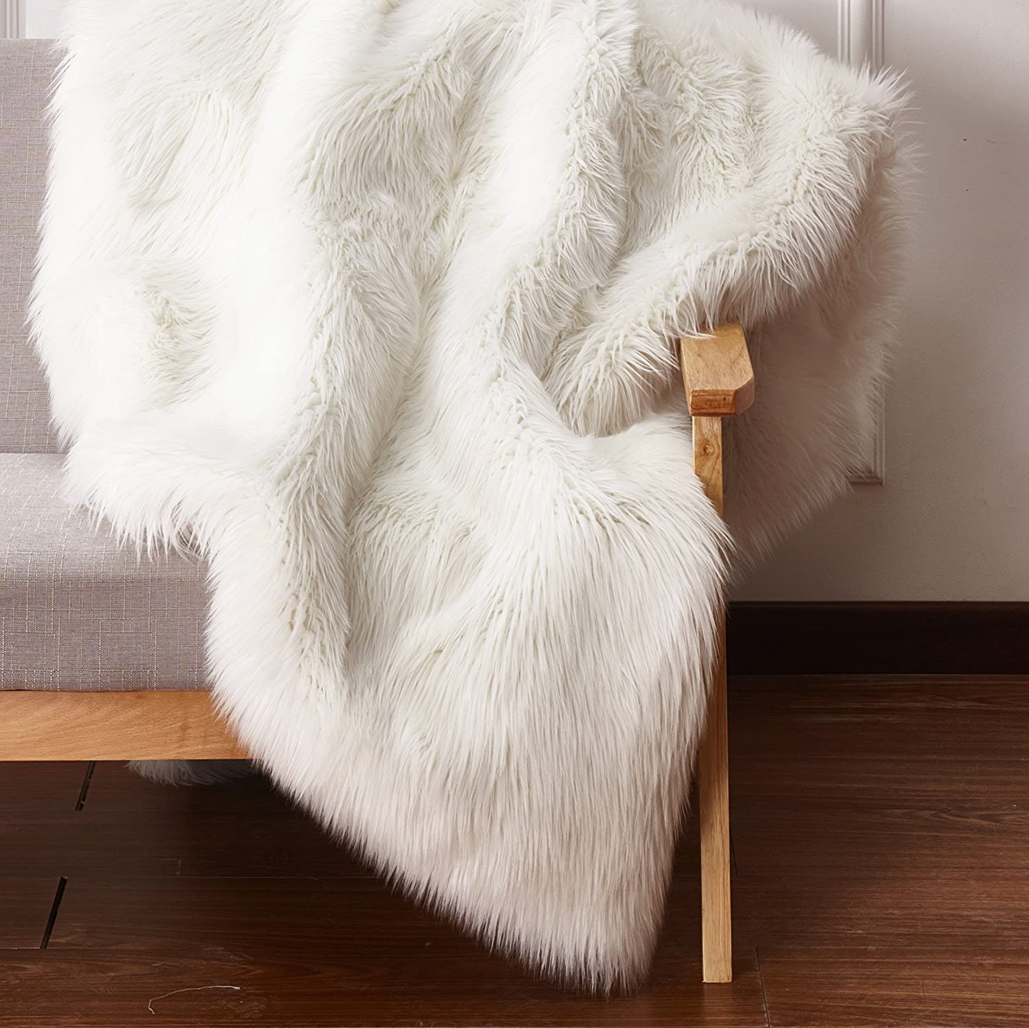 Amazon Com Chic Rugz 5x7fox Ivory Solid Faux Fur Area Rug With