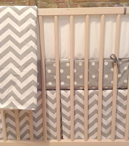 Amazon.com: blvd67 Soho 4 piezas Juego de cama cuna de bebé ...