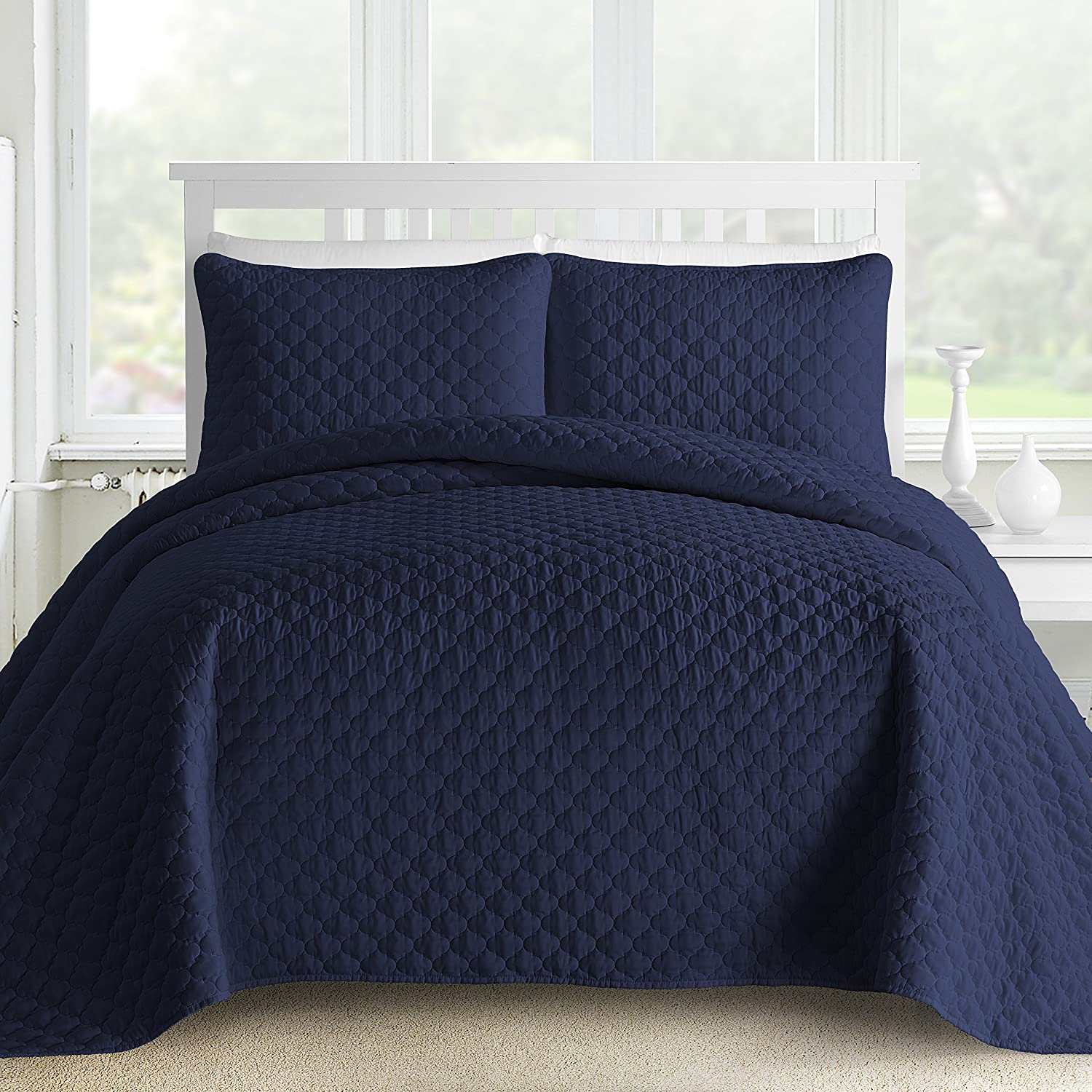 Comfy Bedding 3-Piece Bedspread Coverlet Set Oversized and Prewashed Lantern Ogee Quilted, King/Cal King Navy Blue