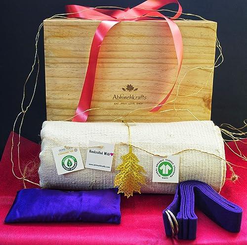 Amazon.com: Christmas/New Year Yoga Gift Box – Yoga ...