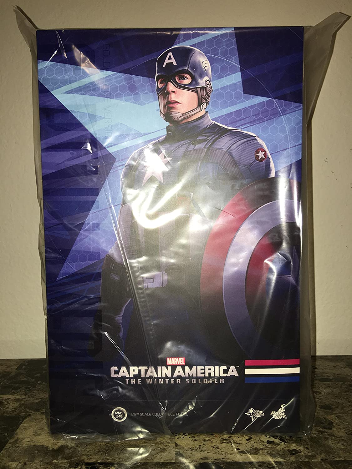 Hot Toys Movie Master Piece: Captain America The Winter Solider - Captain America Golden Age Ver. (Movie Promo Edition)