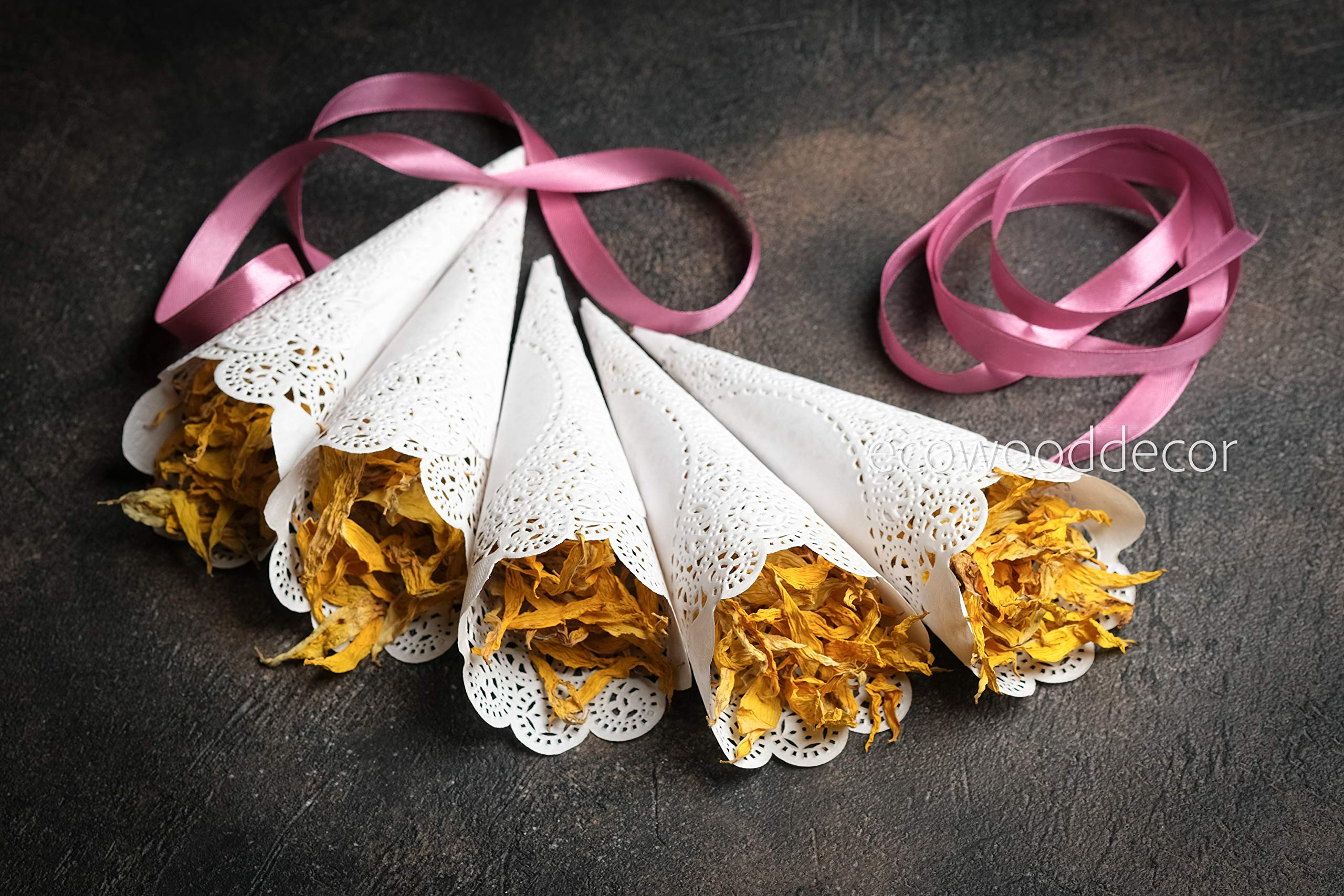 EcoWoodDecor Prerolled Wedding Confetti Cones. Set of 150 Paper Cones for Petals, Lavender, Rice, Confetti or Other toss (150)