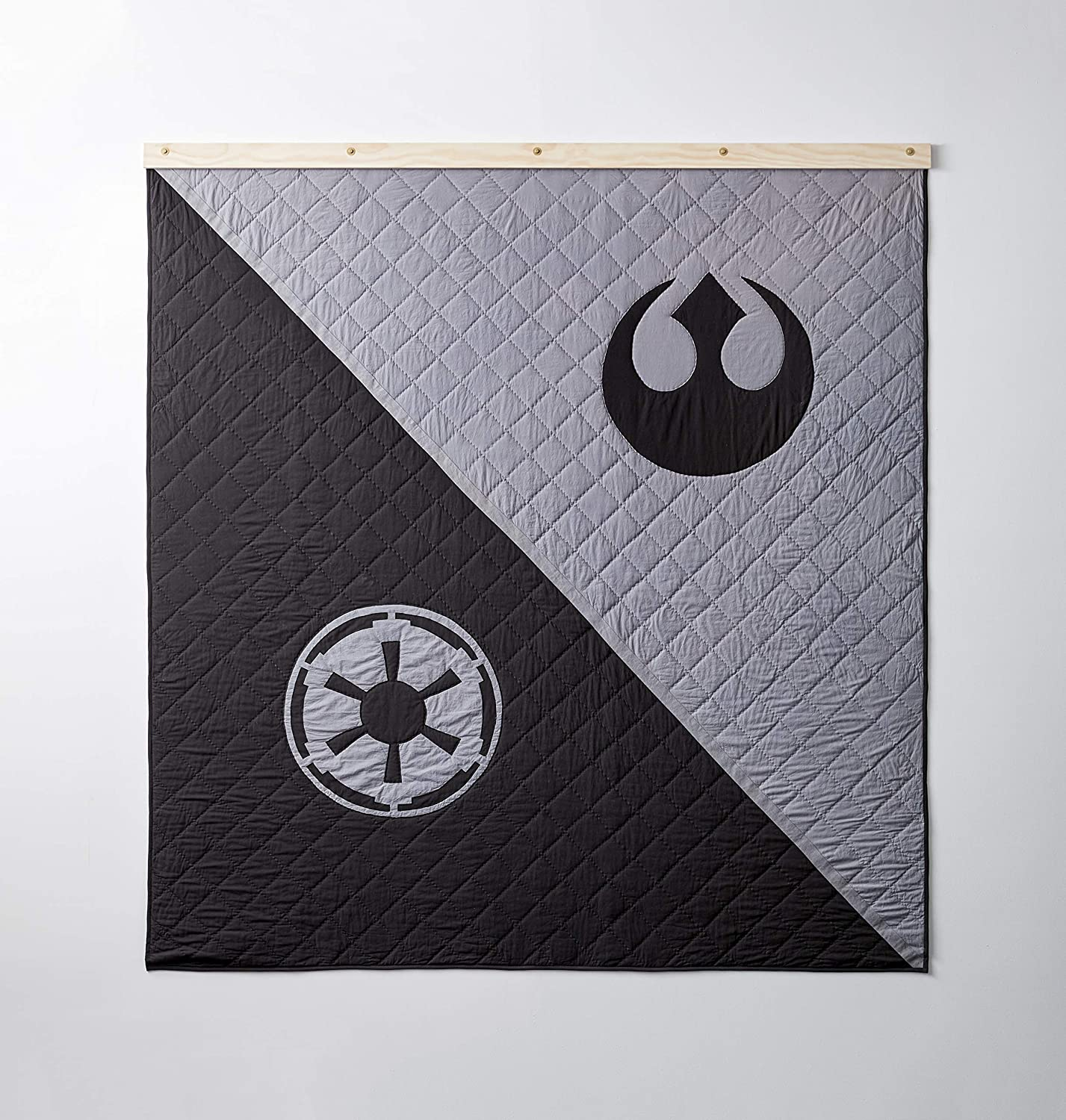 Bokser Home Limited Edition Star Wars Collectors Quilt, King | Officially Licensed Bedding with Rebel and Empire Art | Hand-Stitched Long-Staple Cotton | Super Soft Cotton Fill
