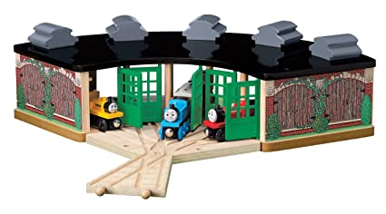 Amazon.com: Thomas and Friends Wooden Railway - Roundhouse Pack ...